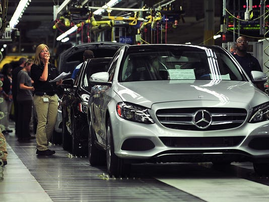 NLRB: Mercedes-Benz broke law by quelling UAW