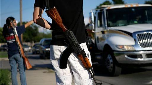 Carrying assault rifles in Texas.