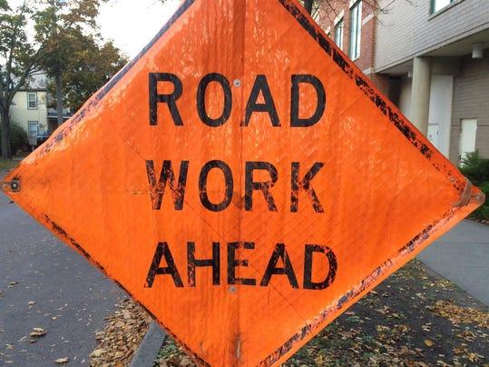 -BUR20141022 Road Work stock.JPG_20141022.jpg