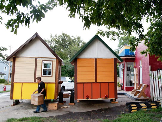 Tiny houses 082114 2