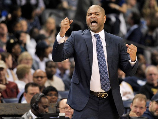 Grizzlies_Bickerstaff_Basketball_19460.jpg