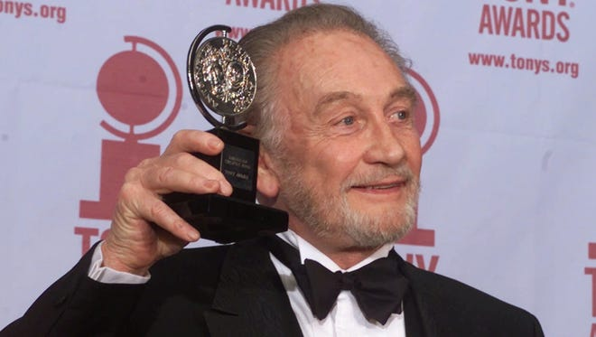 Roy Dotrice poses with his Tony award for best featured actor in a play for his work in 'A Moon For The Misbegotten' at the Tony Awards on June 4, 2000 in New York.