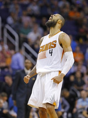 Phoenix Suns center Tyson Chandler (4) reacts to a basket late in their NBA game against he Minnesota Timberwolves Sunday, March 14, 2016 in Phoenix, Ariz.
