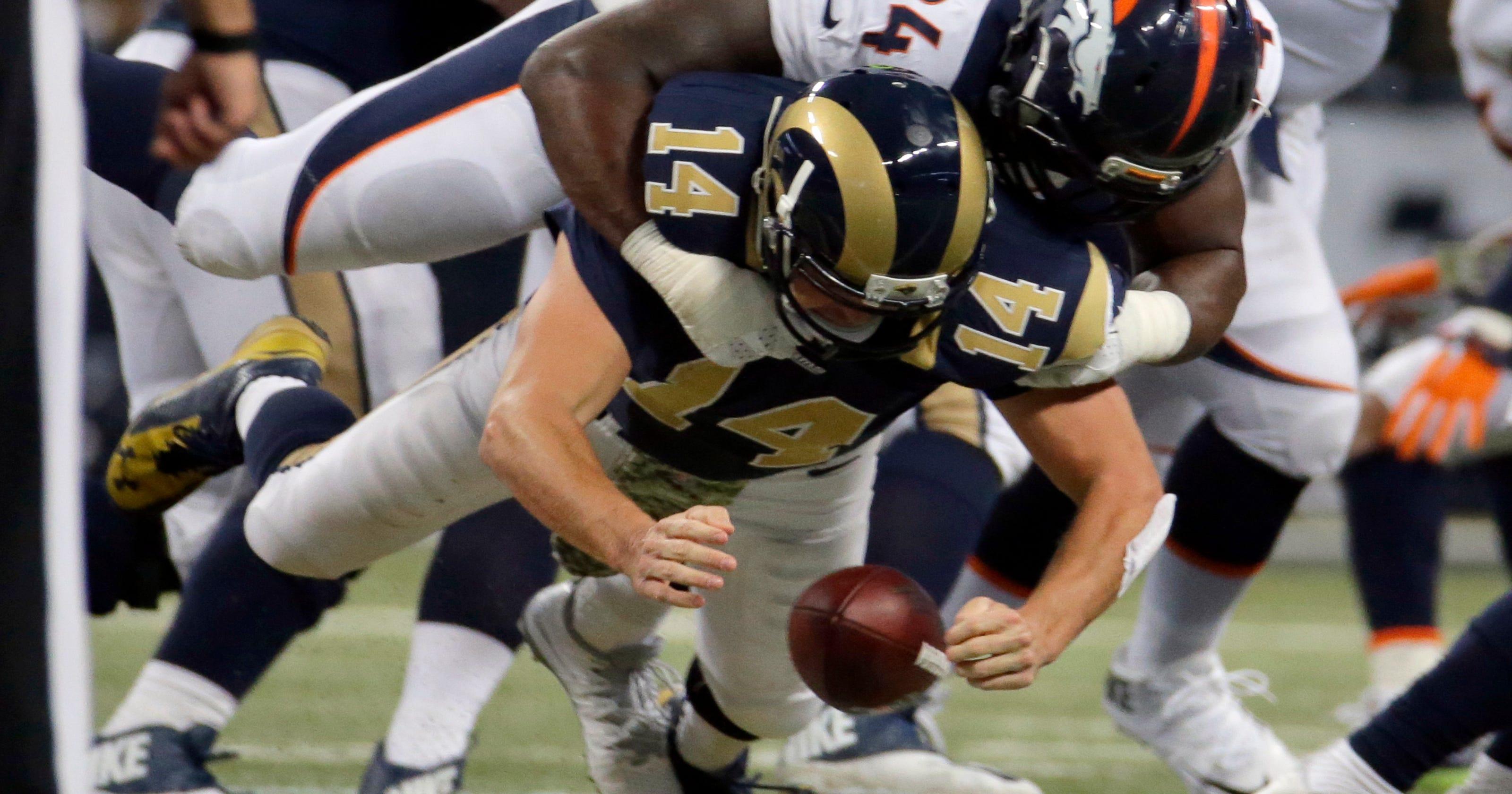 95da70a0 NFL Roundup: Rams surprise Manning, Broncos