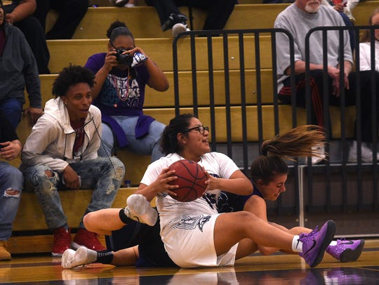 Spanish Springs' Autumn Wadsworth (14) looks for an