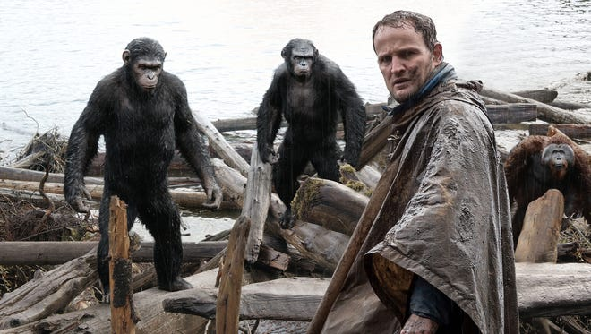 Malcolm (Jason Clarke) is followed by Caesar (Andy Serkis) and Koba (Toby Kebbell) as he tries to make peace with the apes.