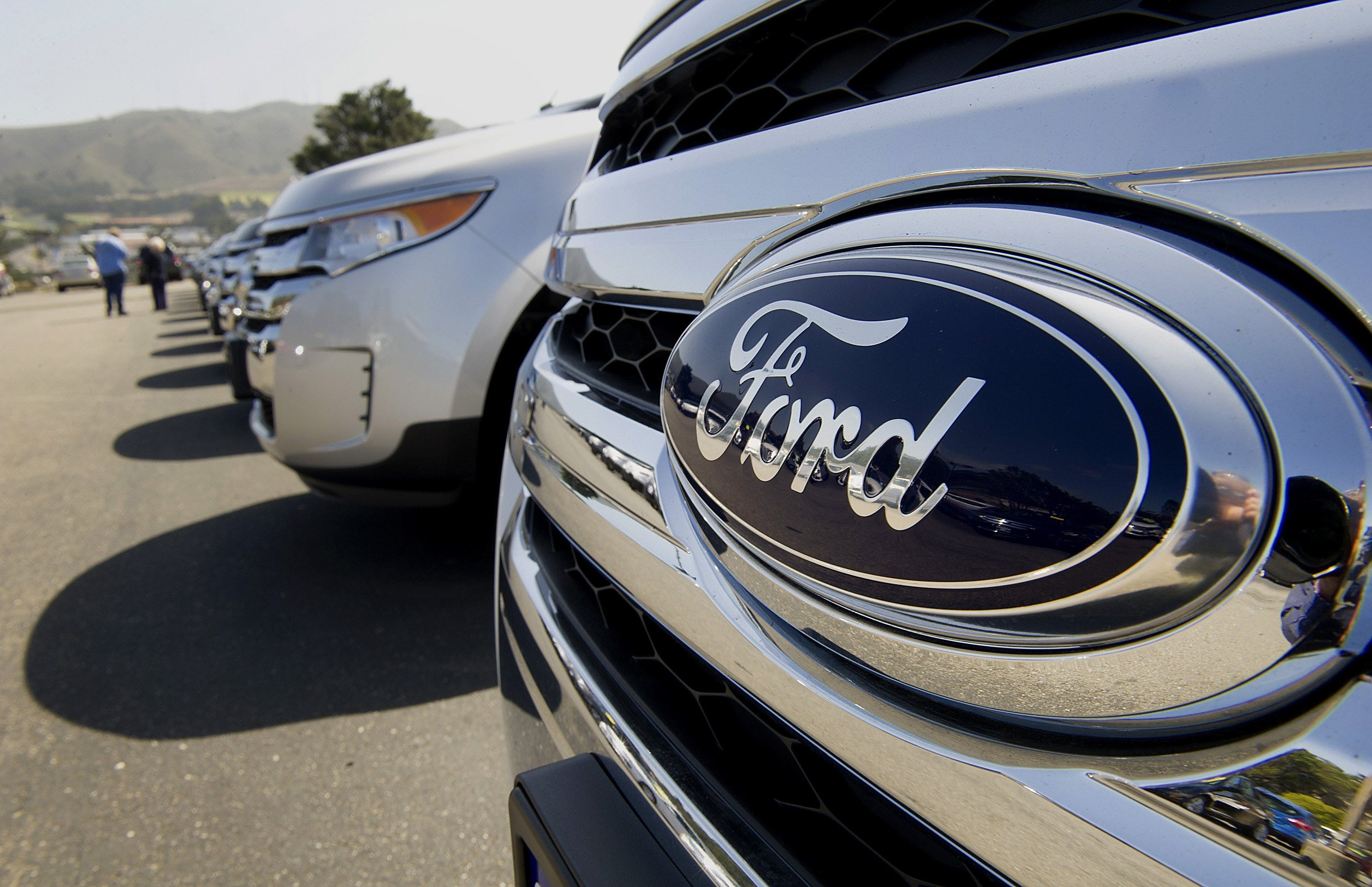 Views Of a Ford Dealership Ahead Of Company Earnings & Ford to invest $1.6 billion for new plant in Mexico markmcfarlin.com