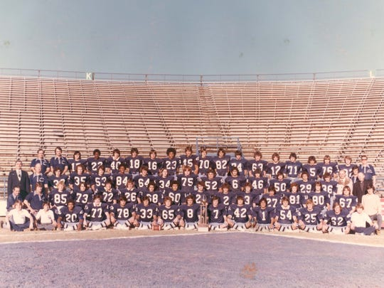 The 1976 Jesuite (Loyola) football team won the AAA state title.