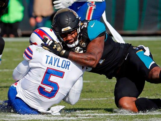 Jaguars_Fight_Football_98357.jpg