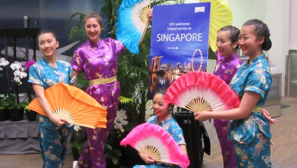 United treated customers on its inaugural San Francisco-Singapore