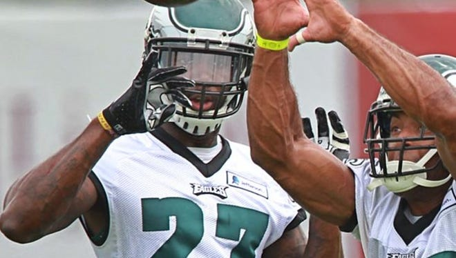 Eagles safety Malcolm Jenkins (27) goes through a drill during practice Saturday.