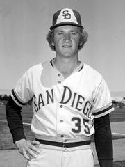 Randy Jones won the NL Cy Young award in 1976.