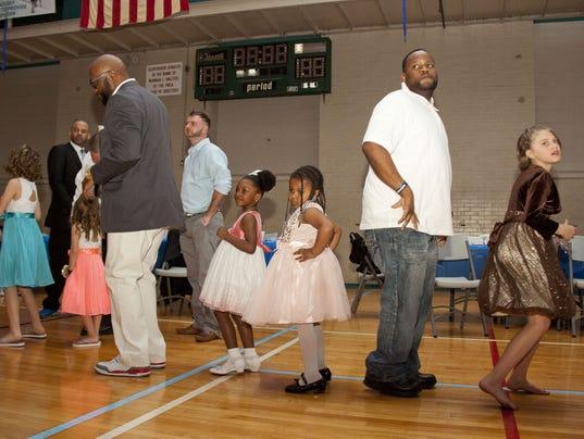 3-YDR-DJ-041616_Daddy_Daughter_dance_YMCA_04