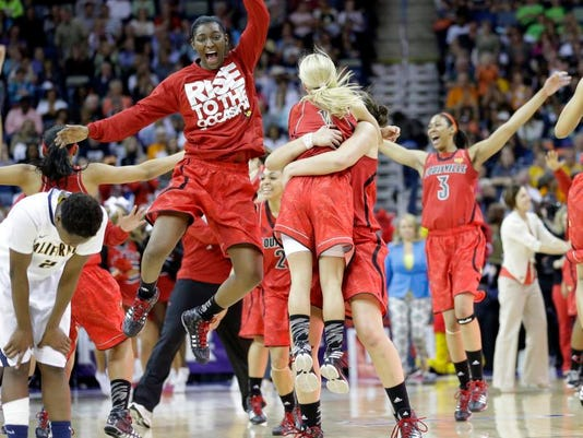 aptopixfinalfourlouisvillecaliforniabasketball.jpg