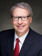University of Iowa Health Care Associate Vice President and UI Hospitals and Clinics CEO Kenneth P. Kates will retire in summer 2018.