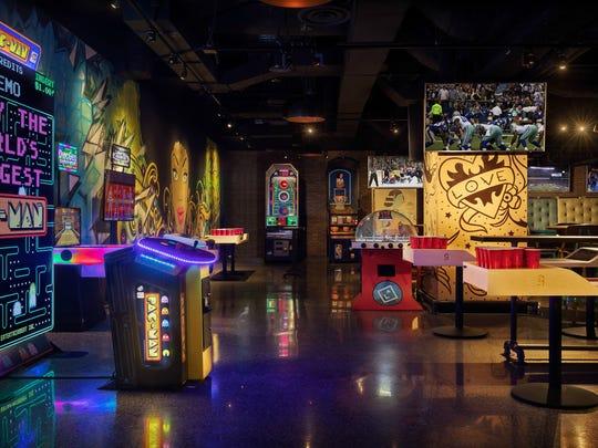 Un PacMan gigante, así como mesas de beer pong y de vencidas, de lo más demandado por los jóvenes.