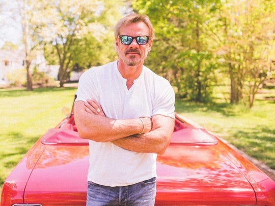 Phil Vassar will perform at the Highway 10 Hideaway,