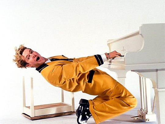 Goodness gracious, it's Dennis Quaid as Jerry Lee Lewis.