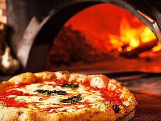 MidiCi Neapolitan Pizza cooks in Italian imported,