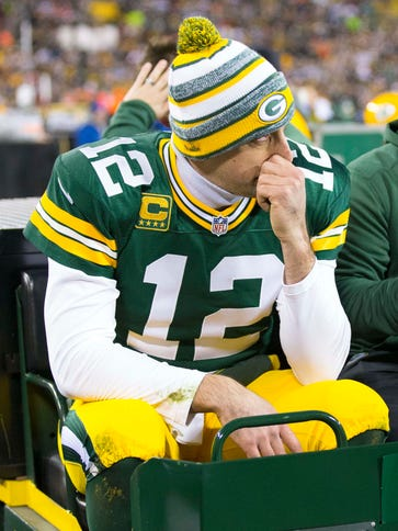 Packers QB Aaron Rodgers was carted off Lambeau Field
