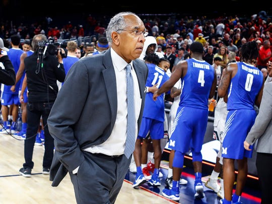 Memphis head coach Tubby Smith walks off the court after falling to Cincinnati 70-60 during the AAC semifinal tournament game in Orlando, Fl., Friday, March 10, 2018.