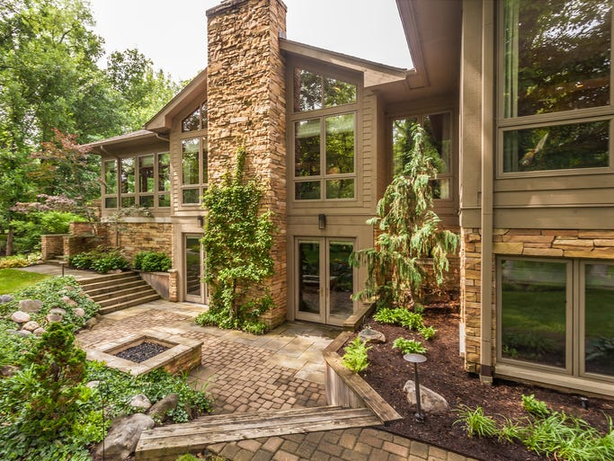 <p>This $1.55 million home is located in a secluded Zionsville neighborhood and includes a private lake.<br /></p>