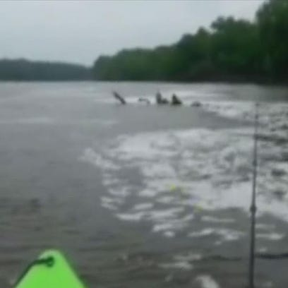 Kayaking Brothers save man in Mississippi River