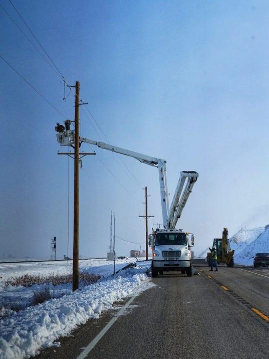 636427403351572040-snow-pole-repair.jpg