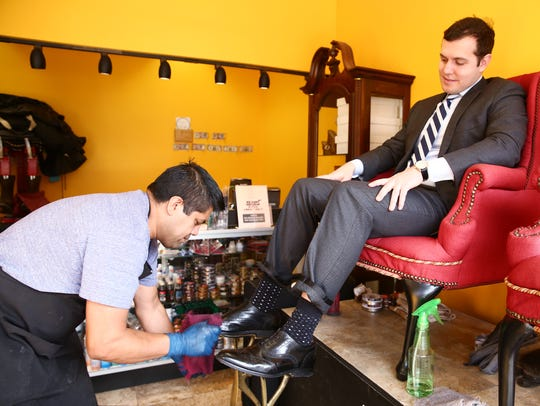 Refugio Contreras shines John DeGasperis of Kingston's