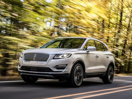 636467833719406083-19Lincoln-MKC-09-HR-preview.jpeg