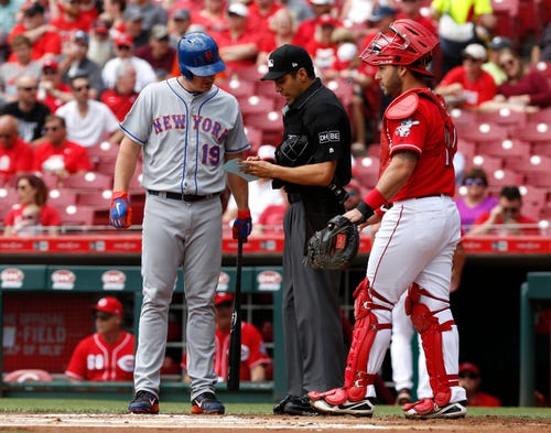 Mets bat out of order against Reds