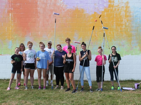 Chenango Valley High School art students volunteered