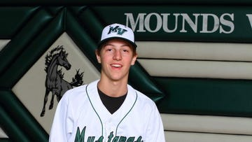 SDSU baseball recruit Henry DeCaster helped Mounds View win a Minnesota state title.