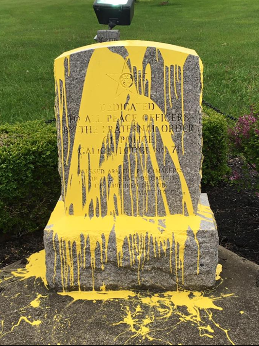 635989274426371347-Galion-police-memorial-vandalized.PNG