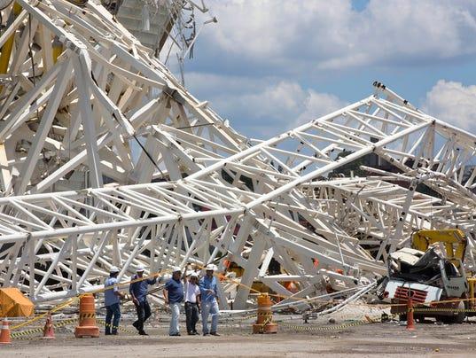 2013-11-28-brazil-stadium-collapse