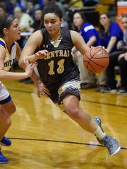 Central's Alexis Thomas (13) drives against Castle in the Class 4A Central Sectional championship game in 2016.