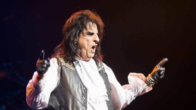 Alice Cooper performs at Ak-Chin Pavilion in Phoenix, Ariz. August 15, 2017.