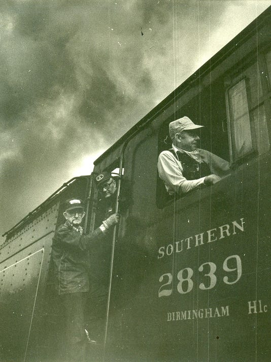 Railroad men on Southern 2839 fr Jim Coman collection