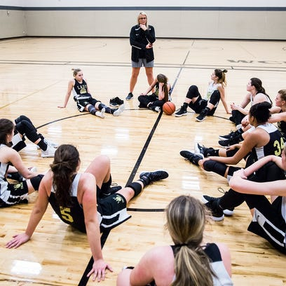 The girls basketball team prepares for state at Winchester