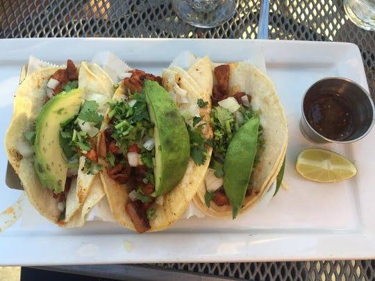Tacos al pastor, La Viva.