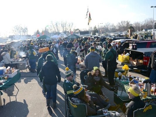 GPG 122814 Packers_Fans