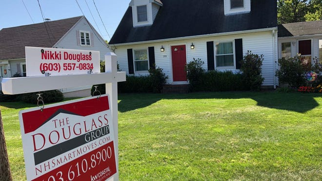 Mortgage buyer Freddie Mac reported Thursday that the average rate on the 30-year home loan edged up to 2.90% from 2.87% last week. One year ago, the rate averaged 3.64%.