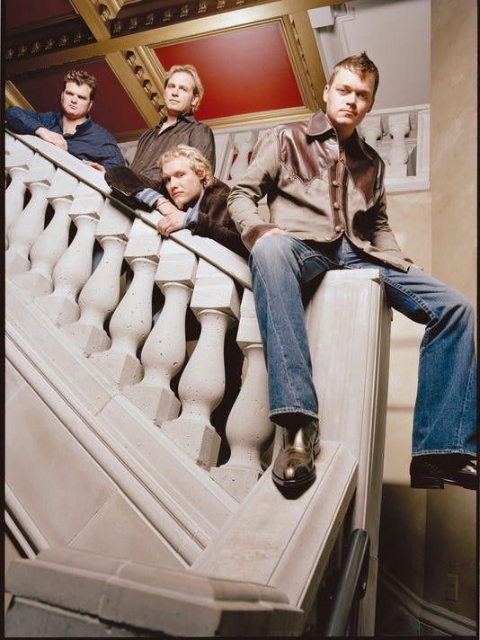 -3 Doors Down_color.jpg_20060414.jpg
