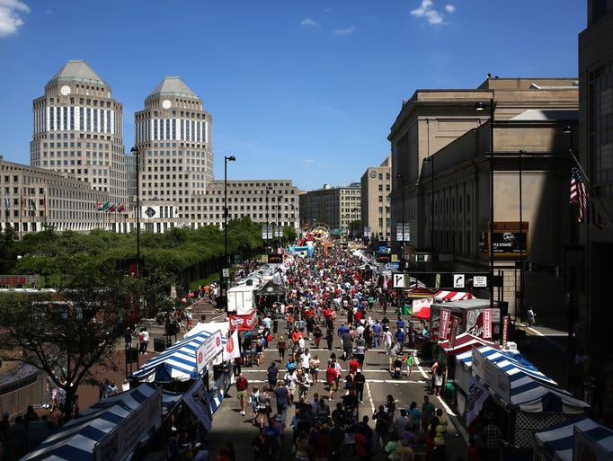 Thousands gather at the 2015 Taste of Cincinnati, the