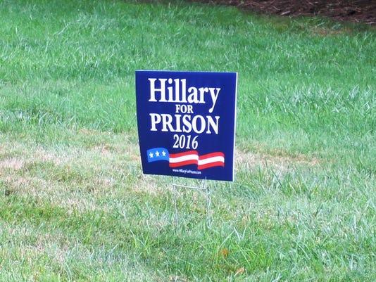 636090206751096729-Clinton-sign.jpg