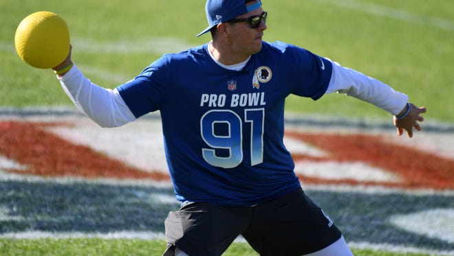 Jan 24, 2018; Orlando, FL, USA; Washington Redskins linebacker Ryan Kerrigan (91) throws the ball in the epic dodgeball competition at the Pro Bowl Skills Showdown at ESPN Wide World of Sports. Mandatory Credit: Kirby Lee-USA TODAY Sports