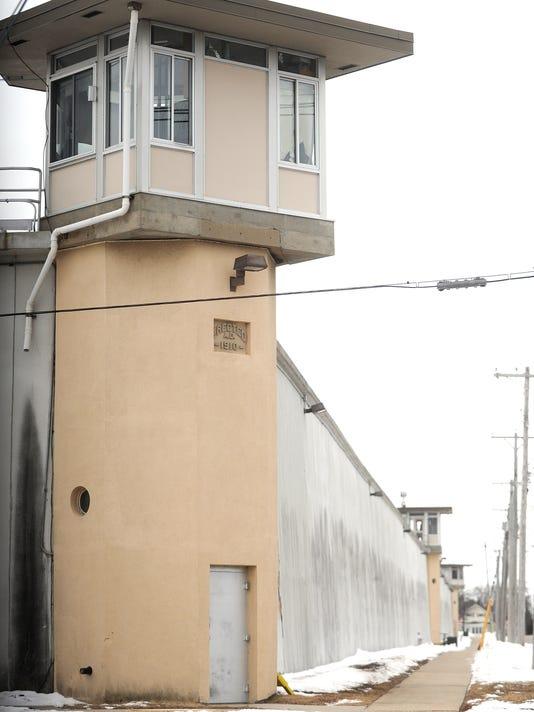 FON 022415 guard tower 2.jpg
