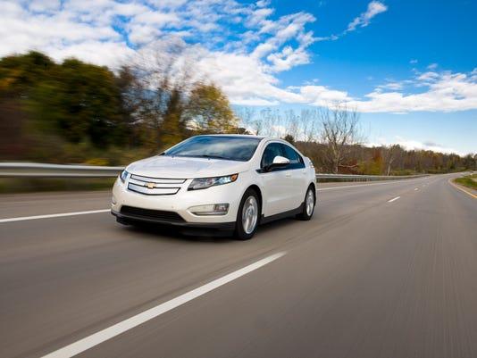 2013-Chevrolet-Volt-004.jpg