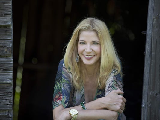 CANDACE BUSHNELL PRESS PHOTO 3