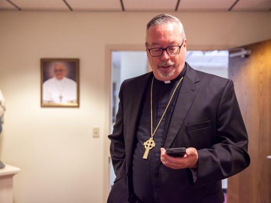 -BUR20150916-Bishop-Coyne-6.jpg_20150918.jpg